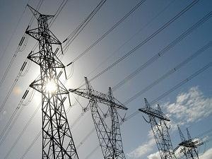 土库曼建架空输电线路扩大电力出口