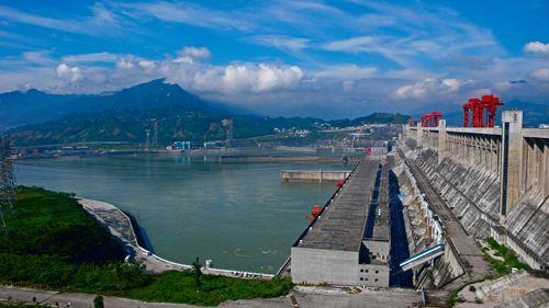长江电力市值突破4000亿元