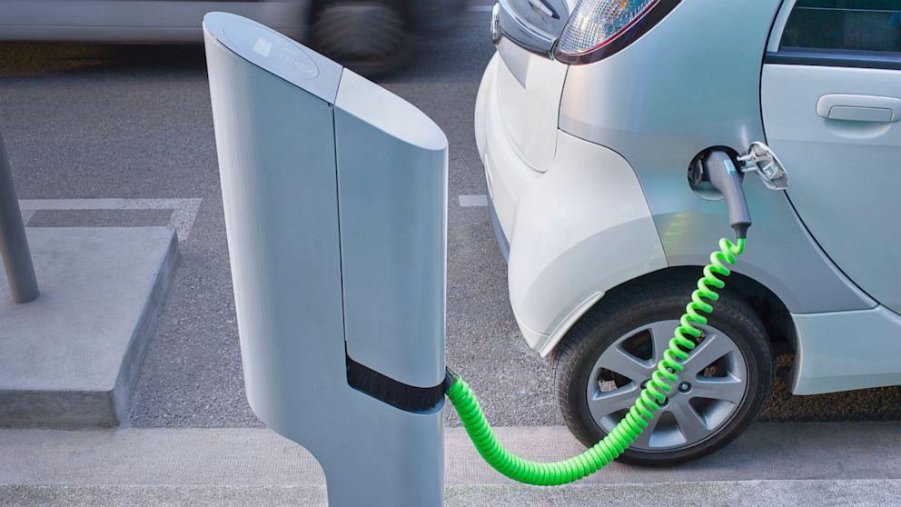 2020全球电动汽车充电桩安装量达2042万_电线电缆资讯